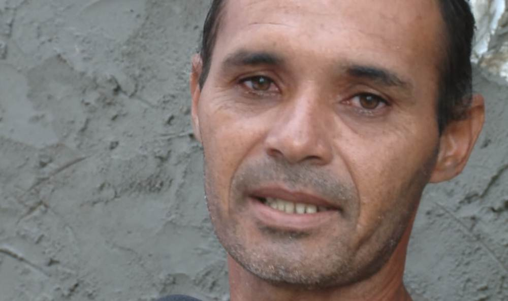 Resultado de imagem para Pedreiro chora após ser constrangido no estacionamento do Riomar Shopping